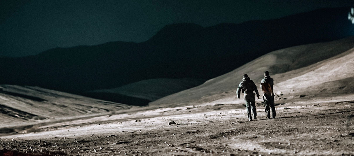דויד סקורי - המהלכים במדבר
